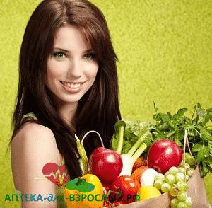 Фото девушка с пакетом фруктов