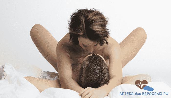 Мужчина и женщина занимаются сексом под действием Виагры Софт