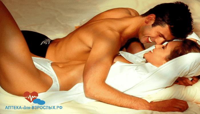 Мужчина с девушкой в постели под действием Аликапса